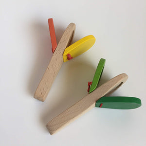 Wooden noise toy