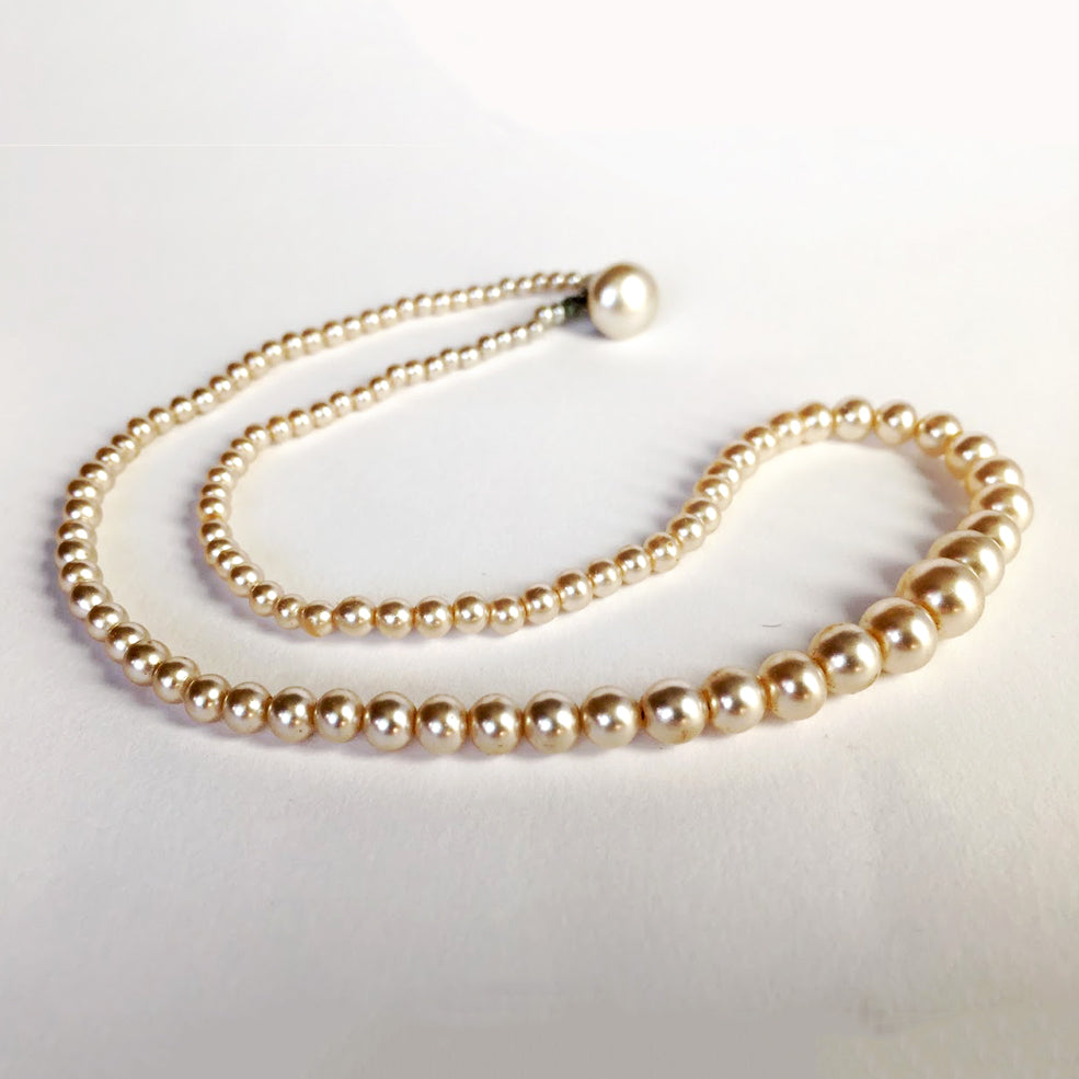 Vintage artificial pearl necklace