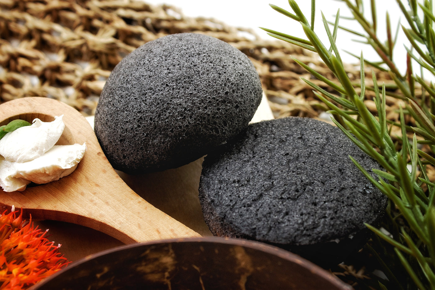 Natural Charcoal Konjac Sponge - what is it?