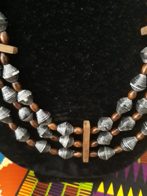 Black Sead Beads, Wooden Dividers and Bead