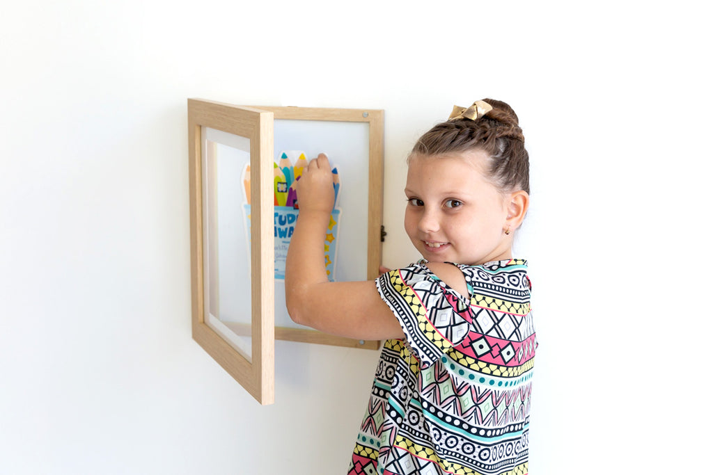 A4 Oak Front Opening Picture Frame + Magnetic Whiteboard