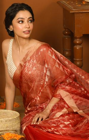 Explore wide range of Silk Sarees For Wedding