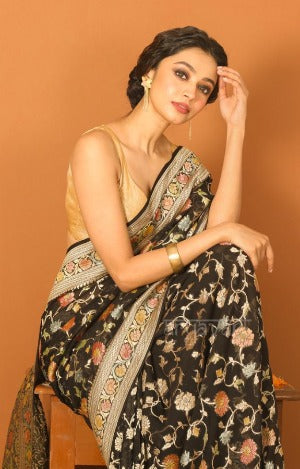 Enhance Your Beauty with Elegant Chiffon Saree