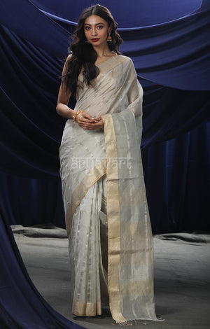 Soft Grey Maheshwari Saree With Woven Silver Zari Checks & Gold Border