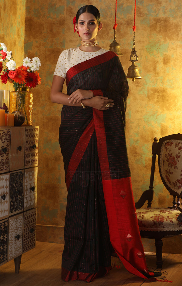 Black Matka Silk With Woven In Sequence & Geometric Design Red Pallu
