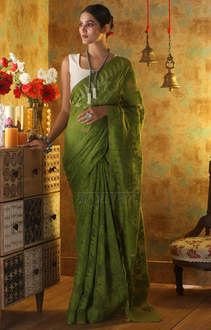 Spring Green Jamdani Saree With Stunning Thread Vine Woven Design