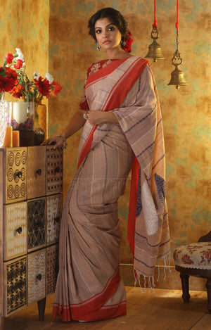 Beige Cotton With Paisley Woven Designs in Pallu