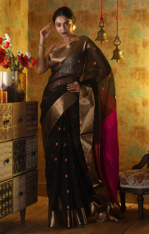 Striking Black Handloom Silk Saree With Magenta Butta & Pallu