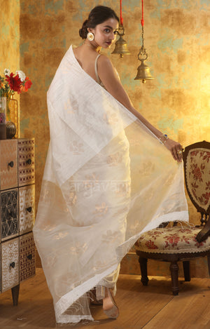 Swarn White Matka Silk Saree With Woven Zari Floral Motif