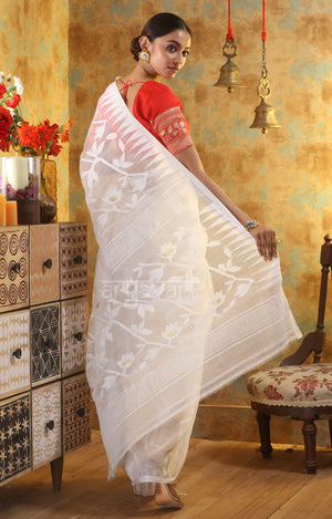 White Jamdani Saree with Thread and Zari Work