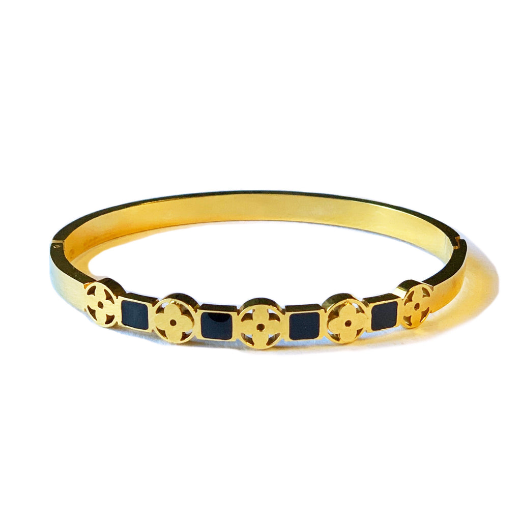 Clover Detail Bangle