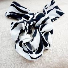 Load image into Gallery viewer, Mixed Print Scrunchie Set