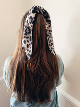 Load image into Gallery viewer, Cheetah Hair Scarfs