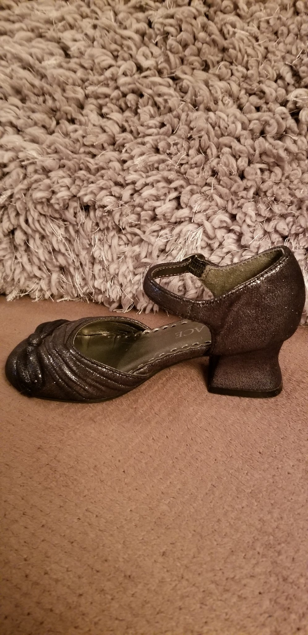 Gently Used Girls Shoes With Heel-size