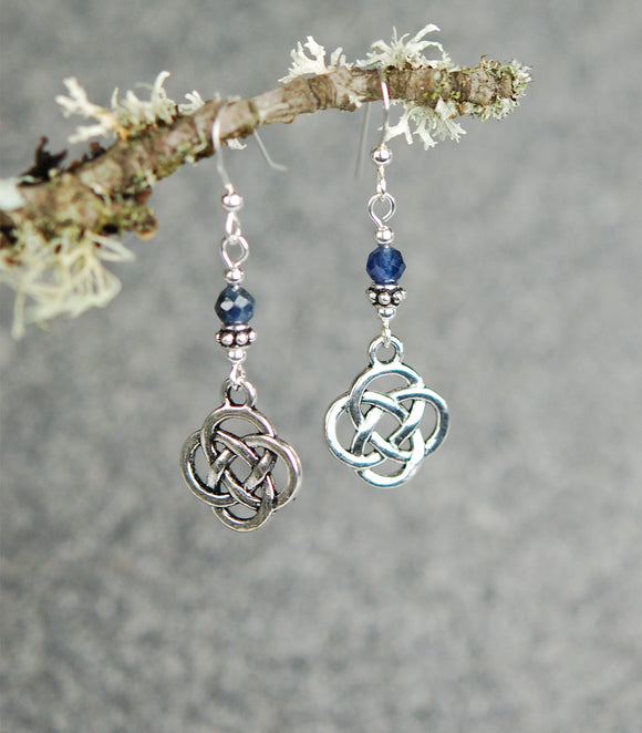 Faceted Sapphires with Medium Celtic Knots
