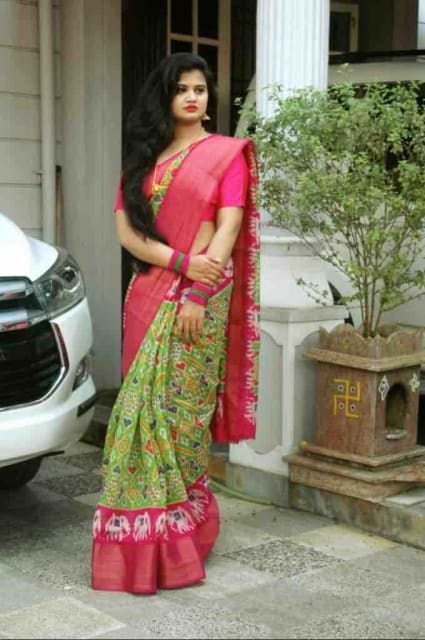 Green Pink Pochampally Cotton Printed Ikkat Saree With Blouse Piece - Praneeli