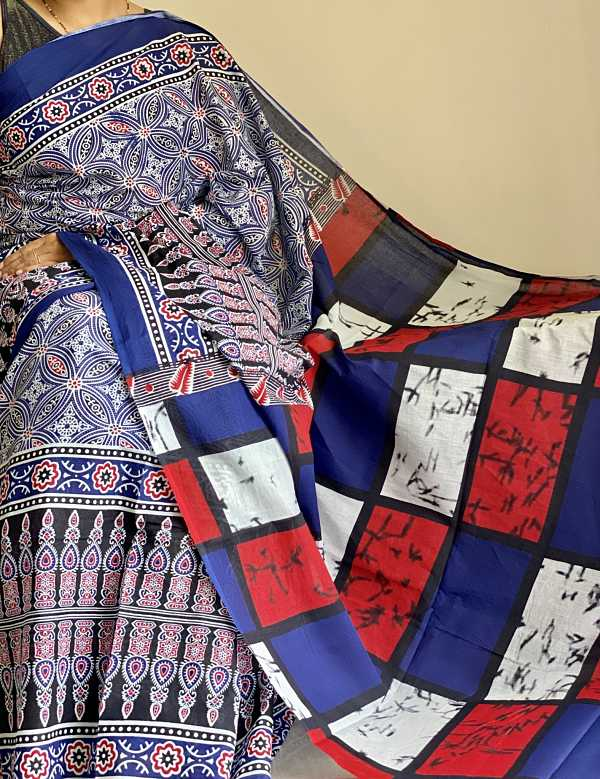 Blue Kalamkari Printed Mulmul Cotton Saree With Blouse Piece