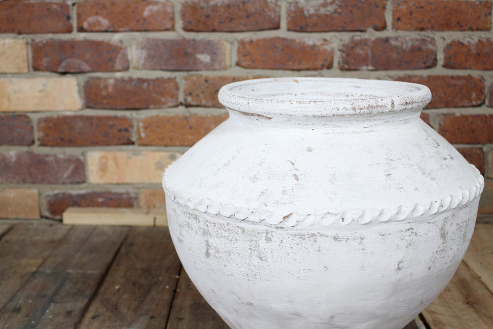 Cotta Whitewash Bell Pot