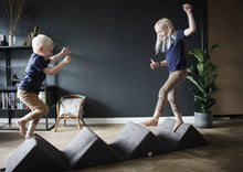 Indlæs billede til gallerivisning Mountain - Happy Play - Mørk grå - Reindeer