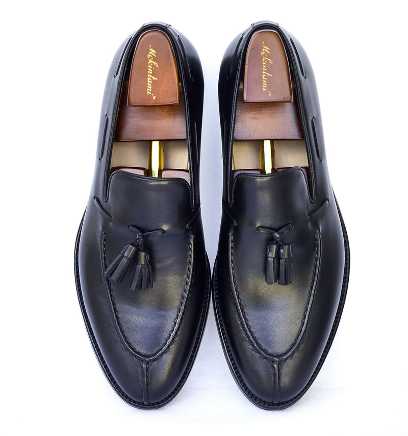 The deribe tassel loafer