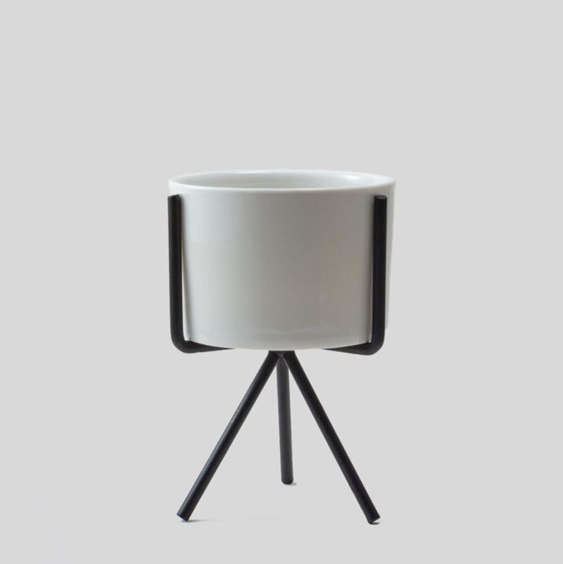 plant pot stand indoor