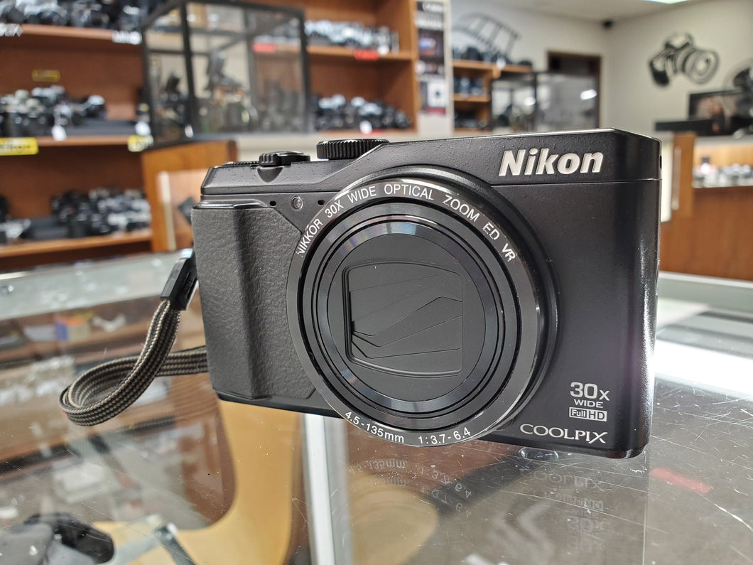 Nikon Coolpix S9900, 16MP, 1080P Video, WiFi - Used Condition 8/10 - Paramount Camera & Repair - Saskatoon Canada Used Cameras Used Lenses Batteries Grips Chargers Studio