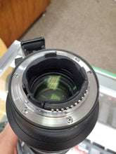 Load image into Gallery viewer, Professional Nikon 70-200mm f/2.8G VR II Lens - Used Condition 9.5/10 - Paramount Camera & Repair - Saskatoon Canada Used Cameras Used Lenses Batteries Grips Chargers Studio