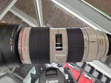 Load image into Gallery viewer, Canon 70-200mm 2.8L IS II USM lens - Pro Full Frame Telephoto - Used Condition 10/10 - Paramount Camera & Repair - Saskatoon Canada Used Cameras Used Lenses Batteries Grips Chargers Studio