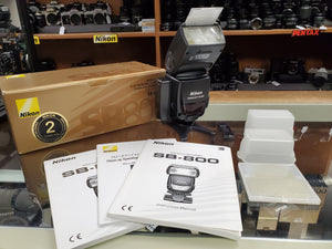 Nikon SB-800 Speedlite Flash Unit with Accessories and Booter