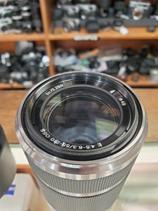 Sony E 55-210mm F4.5-6.3 OSS Lens  Lens - Used Condition 9.5/10