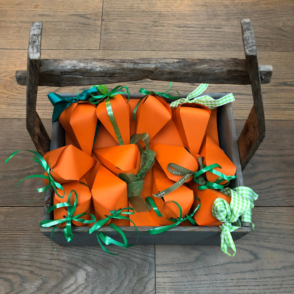 Crafts at Easter - Corona Carrots
