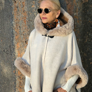 Reversible Cape with Fur - LaLunaLifestyle