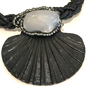 Scallop Shell Necklace - LaLunaLifestyle