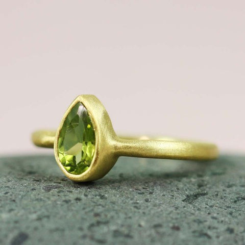 Birthstone Peridot Ring | Laura James Jewelry Blog | Peridot Birthstone