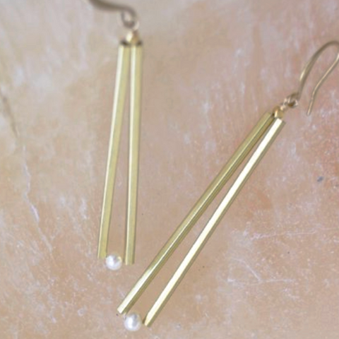 Gold Bar Pearl Earrings
