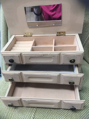Distressed Beige Jewelry Box
