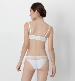 04 V-shape lace panty (White) 04UNDLA14