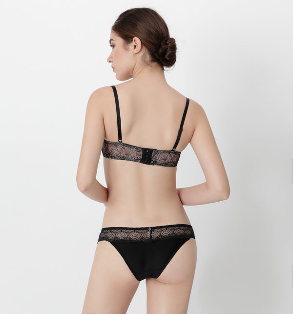 04 V-shape lace panty (Black) 04UNDLA14