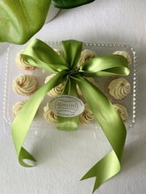 Load image into Gallery viewer, White Chocolate Italian Buttercream Cupcakes