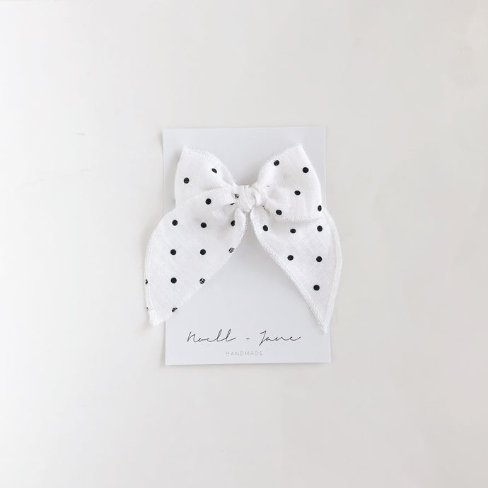Sailor bow - black dot
