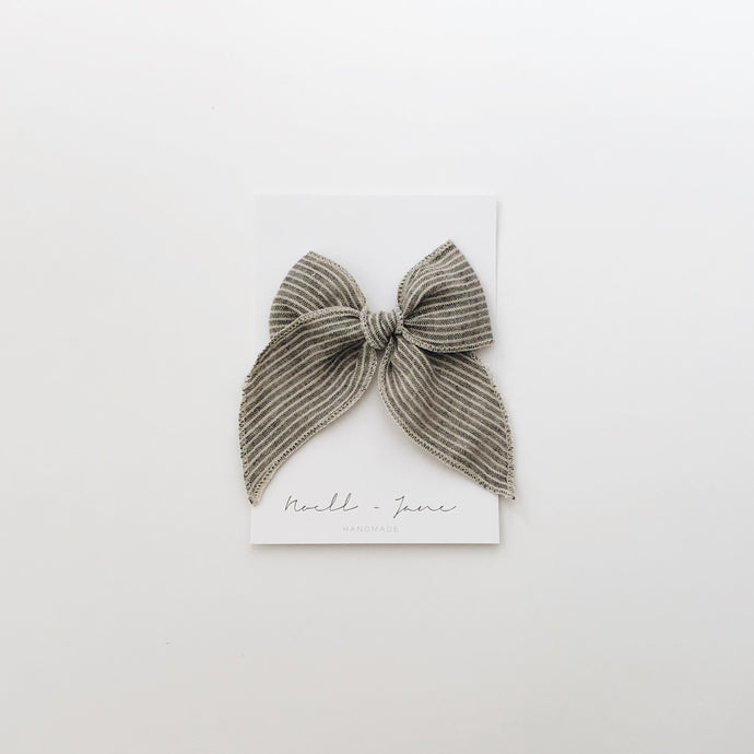 Sailor bow - grey stripe