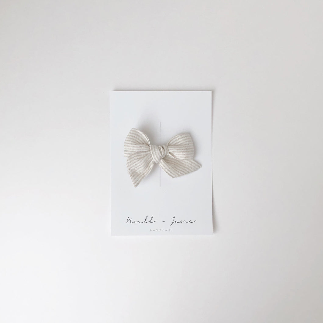 small pinwheel - natural stripe