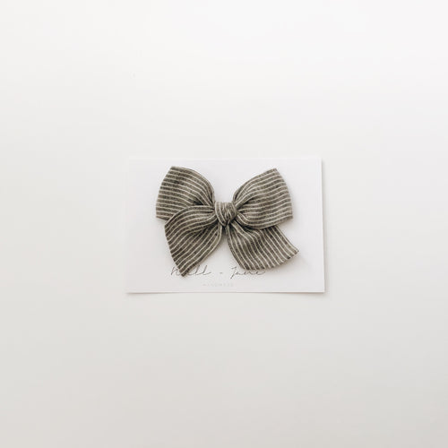 large pinwheel - grey stripe