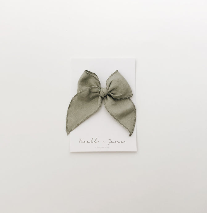 Sailor bow - spring green