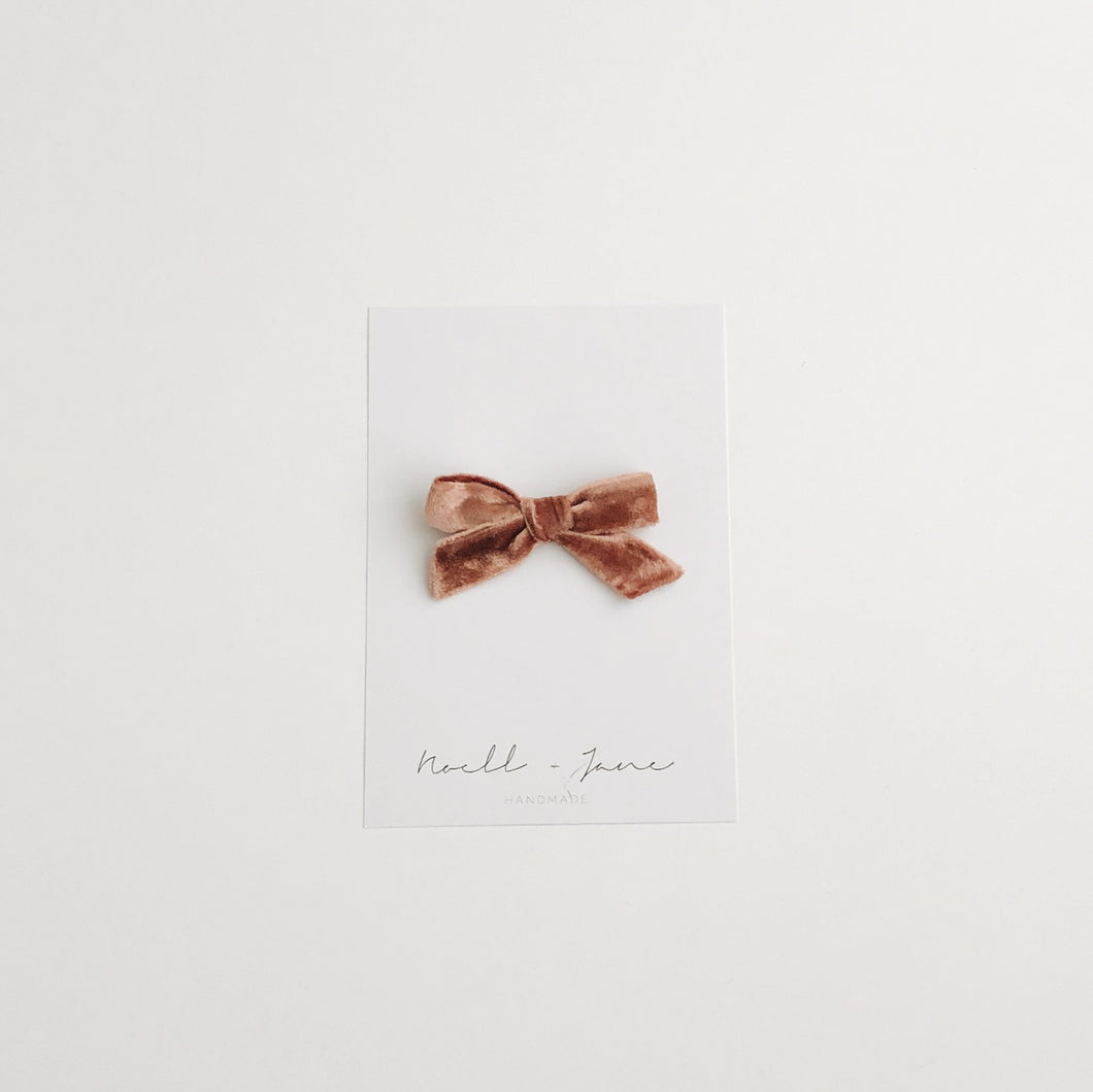 small schoolgirl velvet - rose gold