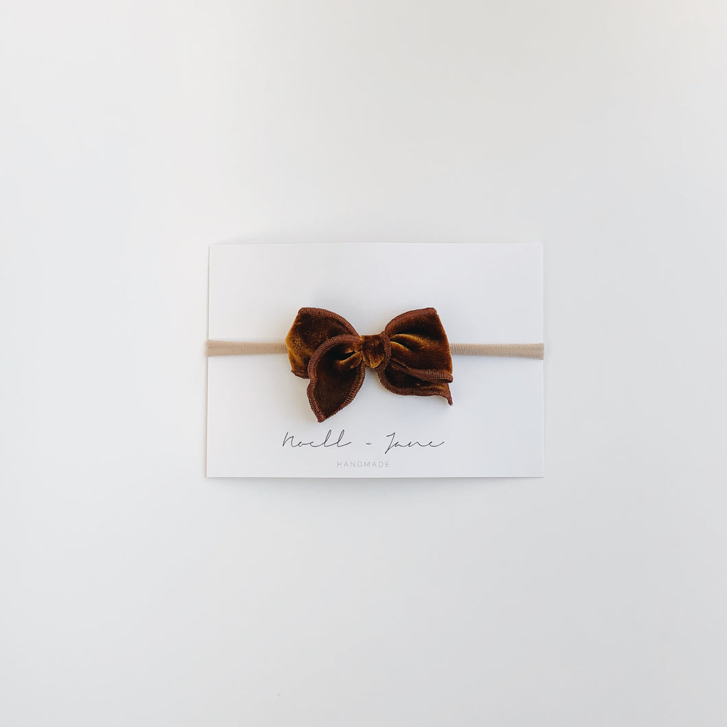 mini sailor bow - amber