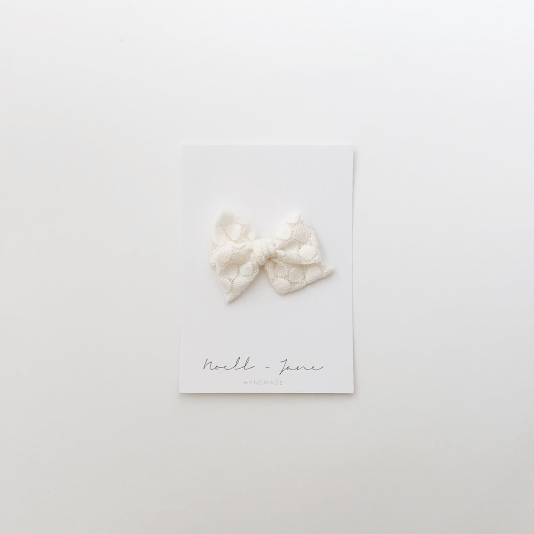 small pinwheel - cream pebble