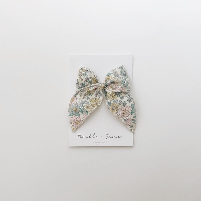Sailor bow - spring floral