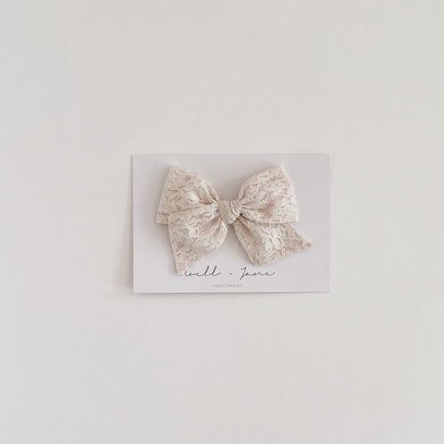 large pinwheel - cream lace