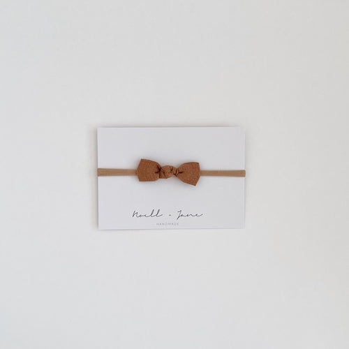 knot bow -  clay